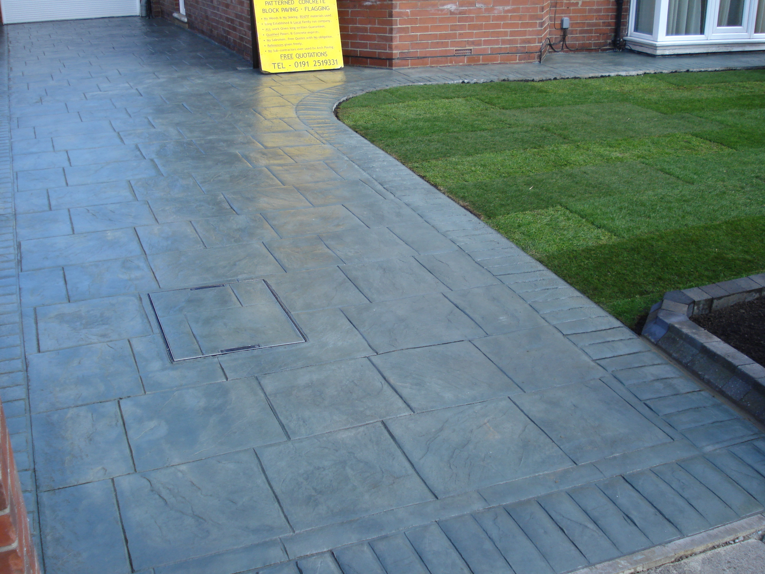 printed concrete using border with grass